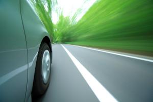 Fahren Sie zu schnell, werden Sie unter Umständen geblitzt. Das kann teuer werden.