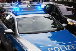 Bei schweren Unfällen ist die Polizei zu informieren. Entfernen Sie sich zu früh vom Unfallort, begehen Sie Fahrerflucht - eine Strafe blüht.