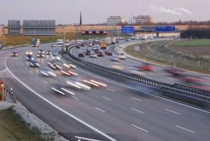 Wie schnell mit Anhänger? Mit Ausnahmegenehmigung sind 100 km/h möglich.