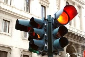 Punkte in Flensburg drohen u. a. für das Überfahren einer roten Ampel.