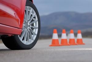 Geschwindigkeitsindex und Tragfähigkeitsindex beeinflussen die Verkehrssicherheit.