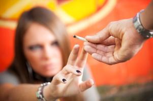 Kiffen am Steuer: Fahren unter Cannabis ist bis zum Grenzwert von 1 ng/ml legal.