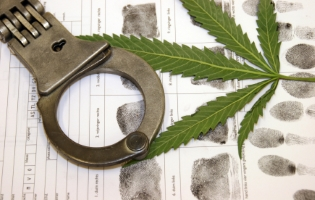 Die MPU ist bei Drogen notwendig um den Führerschein wiederzubekommen.