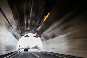 Längster Tunnel in Deutschland ist der Rennsteigtunnel in Thüringen.