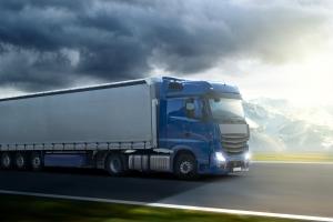 Erst ab einem zulässigen Gesamtgewicht von 7,5 t ist eine Sicherheitsprüfung bei Lkw notwendig.
