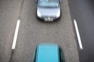 Die Abstandsmessung auf der Autobahn dient der Verkehrssicherheit.