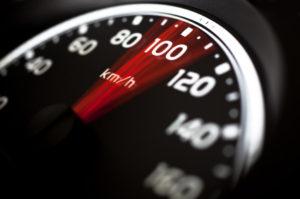 Durch das Lasermessgerät TraffiPatrol kann die Geschwindigkeit ermittelt werden.