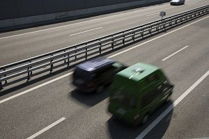 Mit der Videostoppuhr VSTP kann der Abstand zwischen zwei Fahrzeugen ermittelt werden.