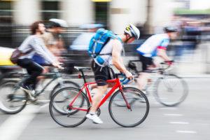 Eine Fahrrad-Höchstgeschwindigkeit gibt es in Deutschland nicht. Es gilt eine angepasste Fahrweise.