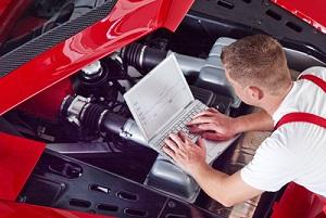Entspricht ein Auto nicht den Vorschriften der Fahrzeug-Zulassungsverordnung, kann es bei der HU zu einem negativen Ergebnis kommen.