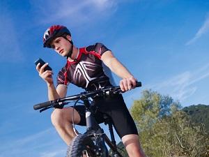 Ist es erlaubt, das Handy auf dem Fahrrad zu benutzen?