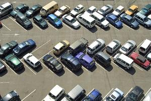 Unfallskizze: Auf dem Parkplatz sollte ein Unfall immer als Skizze notiert werden.