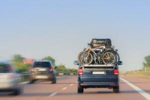 Auf der Autobahn gibt es keine generelle Höchstgeschwindigkeit für Pkw.