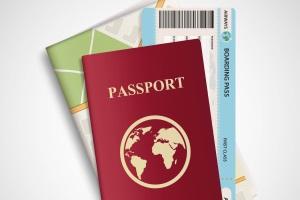 Um das Bußgeld nach dem Urlaub zu verhindern, bedarf es entsprechender Nachweise, etwa Flugtickets oder Passeinträge.