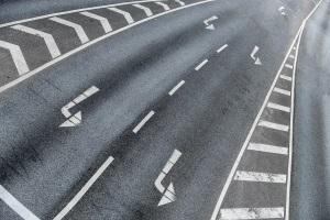 Mindestgeschwindigkeit: Ist eine Bundesstraße z. B. mehrspurig, kann dies auch nur für eine Spur angeordnet sein.