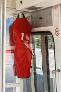 Die StVO schreibt im Bus mindestens einen Feuerlöscher vor.