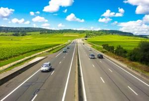 Richtgeschwindigkeit: Für eine deutsche Autobahn sind 130 km/h empfohlen.