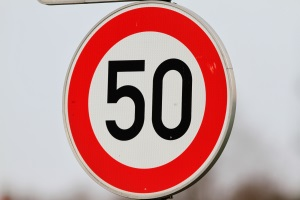 Wurde ein Fahrer zum Temposünder, sieht der Katalog unterschiedliche Sanktionen vor.
